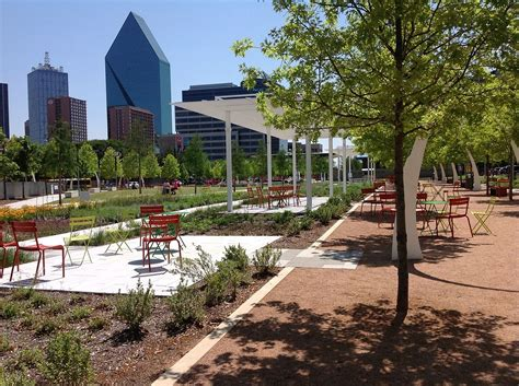 park dallas klyde warren park