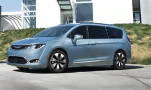 Chrysler In Hybrid 2017 Chrysler Pacifica Hybrid Look 187 Autonxt