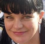 pauley perrette wig ncis star pauley perrette to wear wig after hair dye scare