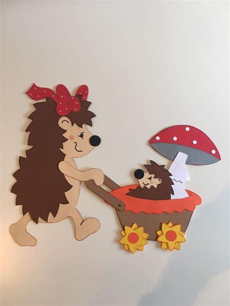 kinderzimmer fensterdeko herbst fensterbild tonkarton igel herbst dekoration