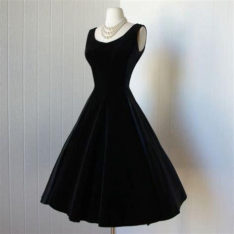 classic black dress fashion daar