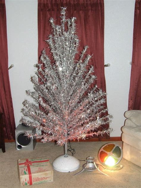 vintage aluminum 6 ft silver christmas tree w rotating