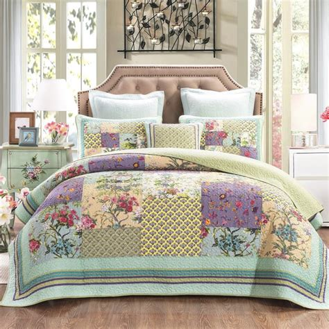 Handmade Quilted Bedspreads - 25 best ideas about olive green rooms on