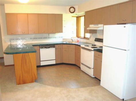 repainting metal kitchen cabinets best 25 painting metal cabinets ideas on pinterest