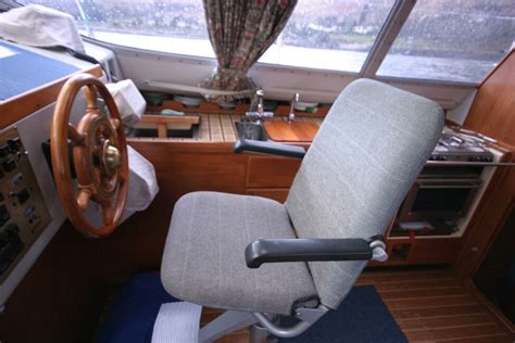 boat helm seats for sale uk photographs of a westerly riviera 35 mkii for sale in loch