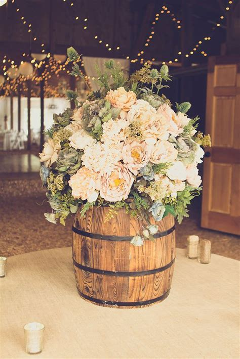 Wedding Decor Flower by 30 Inspirational Rustic Barn Wedding Ideas Tulle