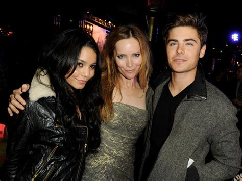 leslie mann zac efron movie zac efron and leslie mann photos photos premiere of