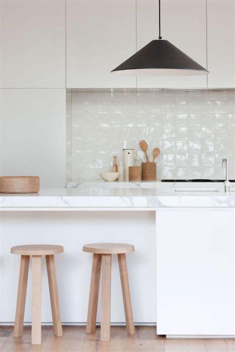 騁ag鑽e suspendue cuisine le carrelage blanc brillant une d 233 coration murale