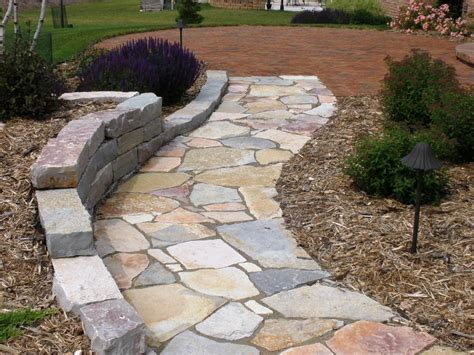 stone garden paths stepping stone paths lanscape paths and patios green bay nursery