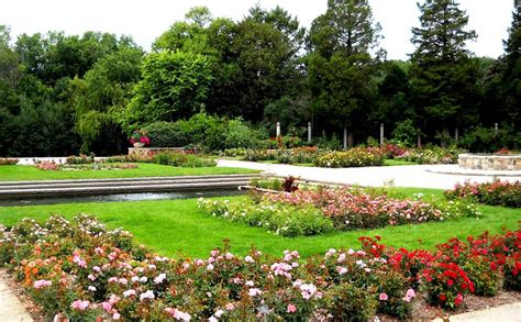 boerner botanical gardens houses milwaukees
