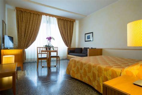hotel con vasca idromassaggio in liguria spaziosa con vasca idromassaggio hotel a spotorno