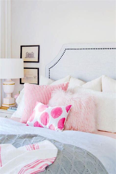 pink bedroom cushions best 25 pink throw pillows ideas on pinterest poplin