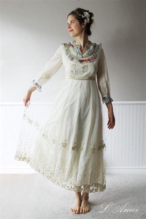 floor length vintage style golden chiffon lace wedding