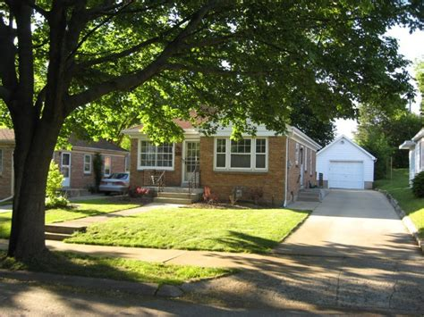 homes for in waukesha county wisconsin living and real estate in waukesha county