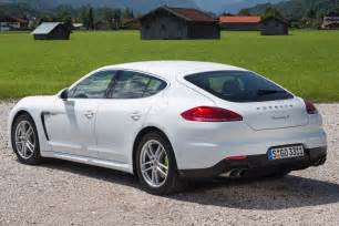 2015 Porsche Panamera 2015 Porsche Panamera 8 Car Background