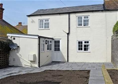 Cottages In Brighton With Tubs garden cottage ref w43518 in rottingdean nr brighton cottage weekend and breaks at
