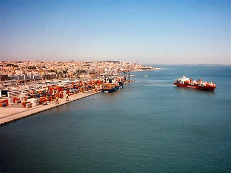 lisboa porto file porto de lisboa 3 jpg wikimedia commons