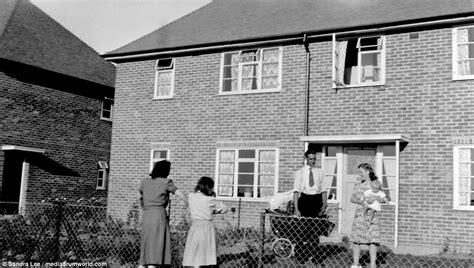 1950s home baby boom britain stunning 1950s photos daily mail online