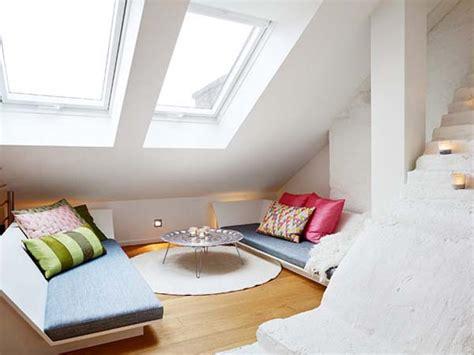 2 bedroom apartment interior design canap 233 un petit appartement mansard 233 tr 232 s charmant the blog d 233 co
