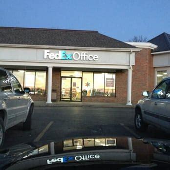 fedex office print ship center 11 photos 10 reviews shipping centers 7201 n oak trfy
