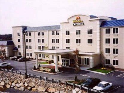 comfort inn milford ma holiday inn express milford milford deals see hotel