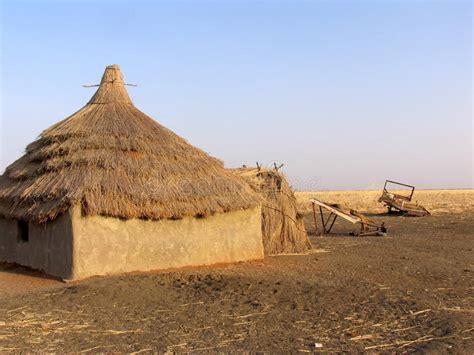 afrika haus haus in afrika stockfoto bild wohnung lehm schlamm