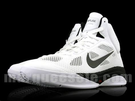 Sepatu Nike Zoom Hyperfuse nike zoom hyperfuse white black freshness mag