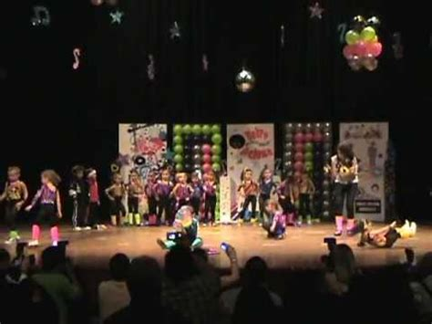 imagenes para telon para acto de fin de ao de jardin acto de fin de a 241 o escolar la orchila 2011 youtube