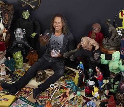 kirk hammett movies at home with horror metallica s kirk hammett embraces his