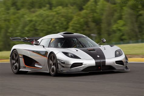 koenigsegg korea 2014 2015 koenigsegg one 1 images specifications and