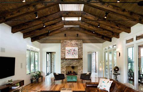 Increíble  Chimeneas Rusticas De Ladrillo #6: Ceiling-spotlights-in-a-modern-eclectic-living-room.jpg