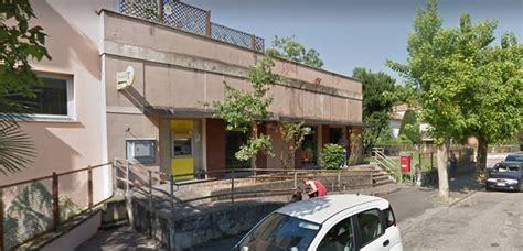 ufficio postale faenza rapina all ufficio postale di faenza il ladro scappa con