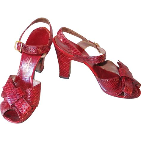 vintage high heels shoes vintage 1940s crimson reptile peep toe high heel shoes