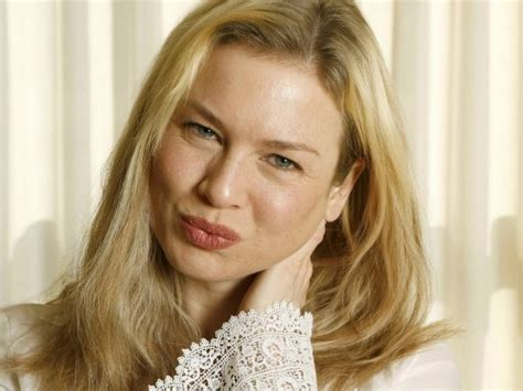 Renee Zellweger Has A Brand New by Renee Zellweger Has A New And Are Bugging Out