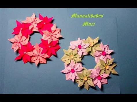 como hacer flores de papel para navidad manualidades corona de flores de papel para navidad muy