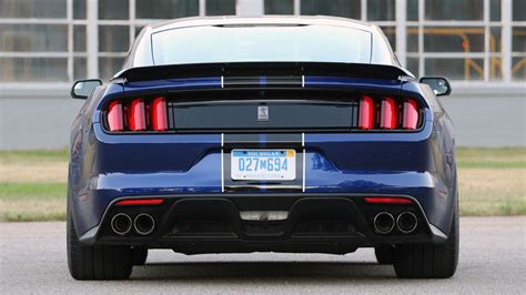 drive 2016 ford shelby gt350 mustang