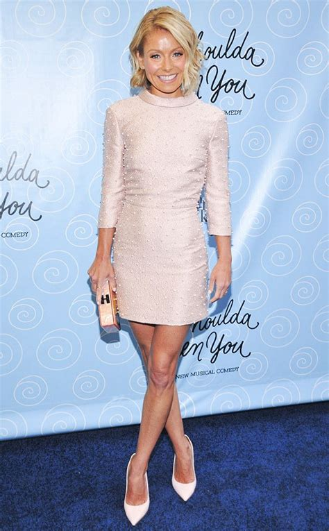 how does kelly ripa get her ringlets in her hair the 25 best kelly ripa ideas on pinterest jeans and t