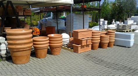 vasi resina crear arredo esterni e giardino vasi fioriere