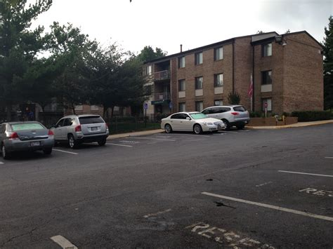Central Garden Apartments by Slain Security Guard Identified Say Guards Were