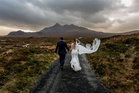 ISLE OF SKYE WEDDING, SCOTLAND ELOPEMENT   Kelly Redinger