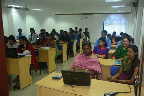 Mba Teaching In Chennai by Amity Global Business School Chennai Top Best Mba Bba