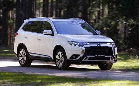 toyota outlander 2020 2020 mitsubishi outlander now on sale in australia