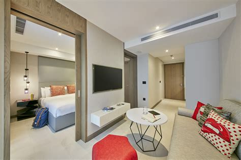 One Bedroom Apartment Singapore | oakwood studios singapore one bedroom apartment living