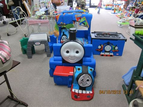 thomas the train bedroom set 23 best images about aiden tyler s bedroom on pinterest