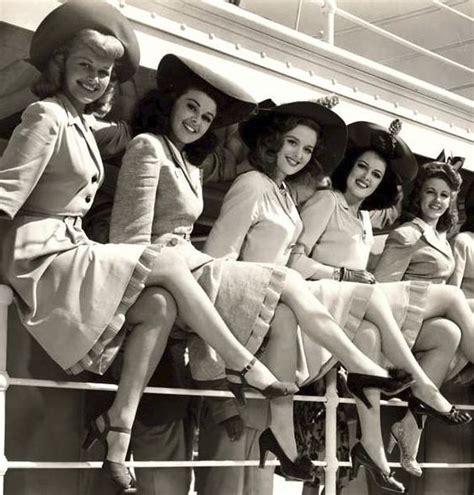 beautiful women in there 40 1940 s women showing off their gams 40 s 50 s