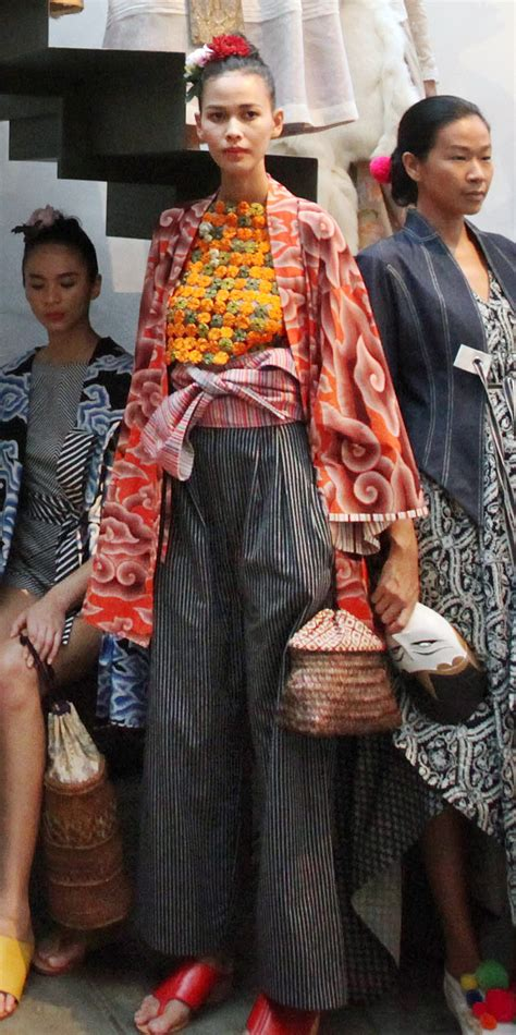 peranakan culture major influence  batik fashion art