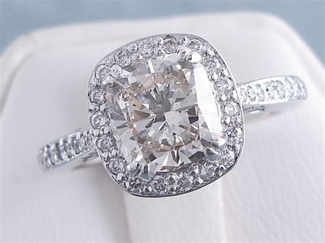 cusion cut diamonds 2 07 ctw cushion cut diamond engagement ring i si1