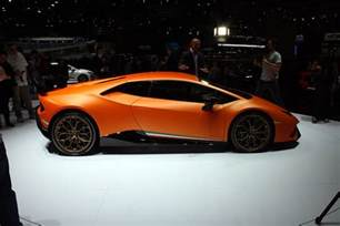 lamborghini unveiled in geneva its hurricane performant