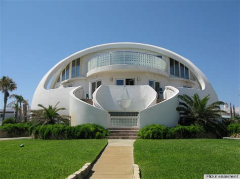 dome shaped house dome homes could save everyone from hurricanes earthquakes and flying cars photos