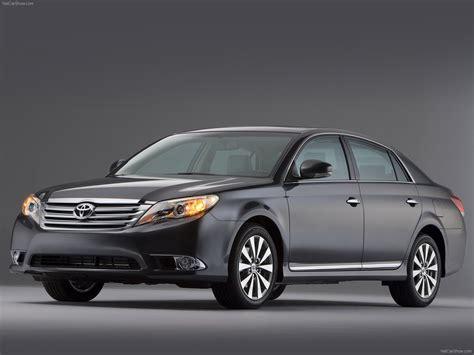 Toyota Avalon (2011)